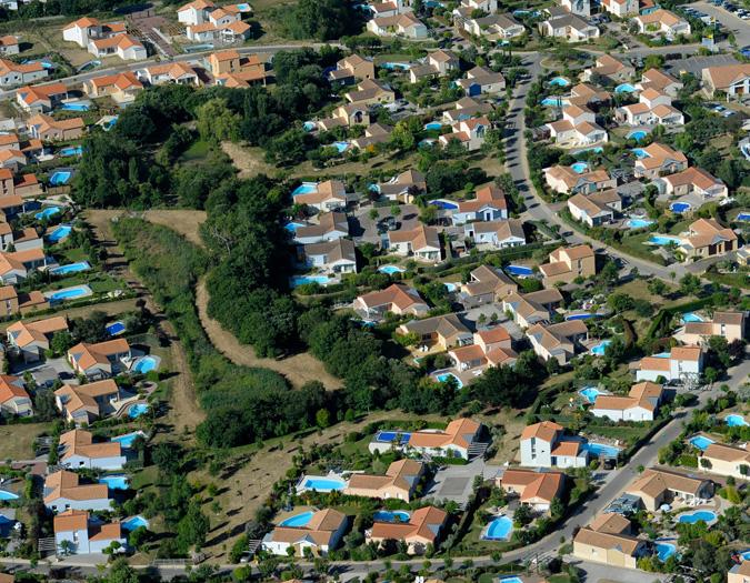 Poolvillavendee Villa La Dolce Vita Les Jardins des Sables d'Olonne Vendee Frankrijk Het park vanuit de lucht