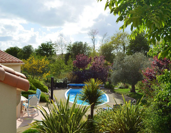Poolvillavendee Villa La Dolce Vita Les Jardins des Sables d'Olonne Vendee Frankrijk Zwembad en tuin
