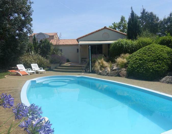 Poolvillavendee Villa La Dolce Vita Les Jardins des Sables d'Olonne Vendee Frankrijk Voorkant van de villa