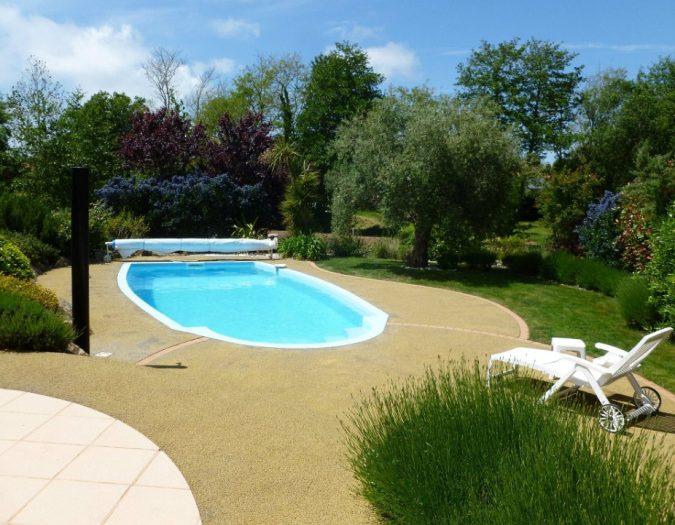 Poolvillavendee Villa La Dolce Vita Les Jardins des Sables d'Olonne Vendee Frankrijk Zwembad met ligbed